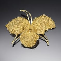 """Mary Lee Hu. 2008 """"Brooch #33"""" in 18k and 22k gold. 3.5 x 4.5 x 0.75""""   Exhibit: Celebrating 70"""