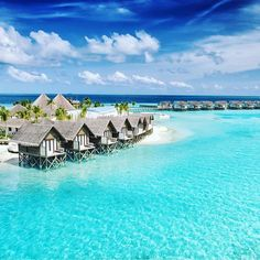 Maldives 😍😍😍 Credits ✨@ismailniyaz✨ . #beachesnresorts for a feature 🌴