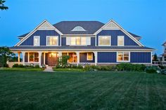 Gorgeous Custom Home in Watermark | GRpulse.com