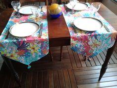 Produto artesanal, feito com exclusividade para você.  Caminho de mesa em estampa floral, fabricado em tecido 100% algodão, com detalhes em missanga e conta resinada.  Uma sofisticada e elegante forma de receber seus amigos para o almoço ou jantar.  O preço refere-se ao kit de três peças. Não pode ser vendido separadamente.  Postagem em até 2 dias úteis após a confirmação do pagamento.  Medida:  1,50 x 0,38 cm  Você pode encomendar de acordo com o tamanho de sua mesa, é só passar as medidas…