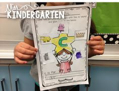 Fun way to practice beginning sounds in words! Cut, paste and color!