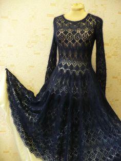 Добрый день! Платье Mysterious ocean . Связано из пряжи MOHAIR LUXE Lang Yarns, ушло 13 моточков, пряжа в изделии выглядит очень роскошно,  цвет очень глубокий и бархатистый.
