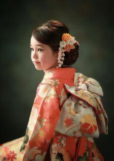 1/2成人 撮影 着物 十三祝い Kimono Japan, Japanese Kimono, Japanese Girl, Kimono Outfit, Kimono Fashion, Kimono Style, Themed Photography, Japanese Festival, Japanese Costume
