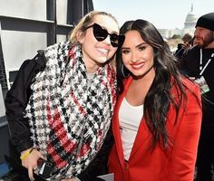 March for our lives featured performances by Demi Lovato who sang an emotional version of Skyscraper and Miley Cyrus sang an amazing version of The Climb. I cried for both!!