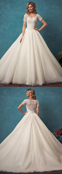 Fabulous Tulle V-neck Neckline Ball Gown Wedding Dress With Beaded Lace Appliques