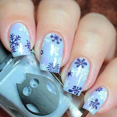 Hi loves!!! ❄️❄️❄️ . New snowflakes design for this winter! I love the result, is very nice! I use following . Anna Gorelova Winter collection n.17 Jack Frost from @dancelegendofficial ❣ . Stamping plate Infinity Nails n.79 from @dashicabeautyshop . Ya Qui An stamping polish, white+lilac+purple from @bornprettystorenailart ❤️ (Use code FML91 for 10% off in your orders) . You like see the vid tutorial!? . . Happy Friday