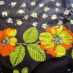 230CM X 112CM YELLOW POPPY VINTAGE COTTON BLEND BORDER PRINT SEWING FABRIC 1970