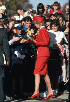 November 9, 1985:  Princess Diana greeted by fans upon arriving in Washington, D.C., U.S.A.
