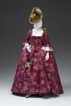 1770-90 robe a la francaice a la polonaise, Met museum
