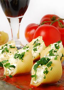 Spinach and Cheese Stuffed Pasta Shells for 2!