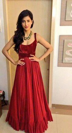 Indian Celebrities, Bollywood Celebrities, Beautiful Asian Women, Beautiful Gowns, Indie Mode, Anarkali Dress, Indian Attire, India Fashion, Women's Fashion
