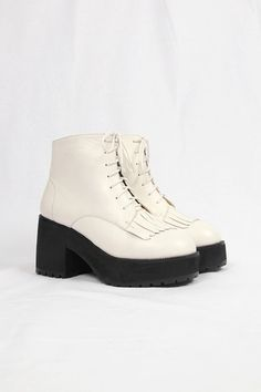 Chunky Heel Fringe Boot White - THE WHITEPEPPER