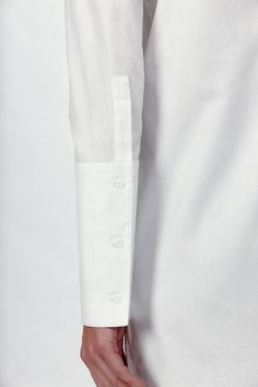 exaggerated super long cuff white shirt high detail fashion design
