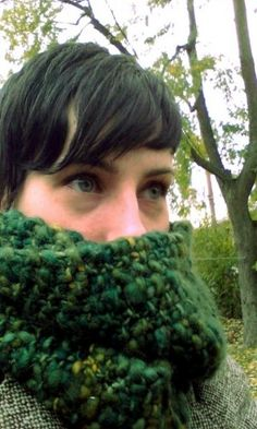 Easy seed stitch scarf pattern.  Download the Bed of Moss Infinity Scarf for free!