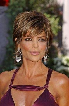 Lisa+Rinna+Shag+Haircut | Lisa Rinna Hairstyle Trends: Lisa Rinna Short Messy Shag Hairstyle
