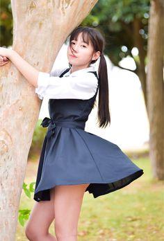 ExtremaRatio - Silente Knife Black - NOCS State Police - knife with multi-purpose pliers School Girl Japan, School Uniform Girls, Japan Girl, Beautiful Japanese Girl, Beautiful Asian Girls, Cute Asian Girls, Cute Girls, Pretty Girls, Vestidos