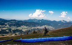 #Paragleiten in #Tirol © Katharina Kamleitner/watchmesee.com Mountains, Nature, Travel, Travel Advice, Viajes, Naturaleza, Destinations, Traveling, Trips