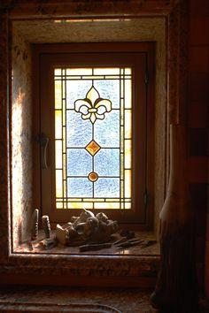 thermal leaded glass windows in a bathroom   Custom leaded glass bathroom privacy windows featuring Fleur de Lis ...