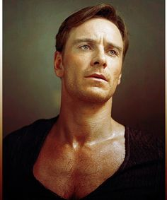 Michael Fassbender... I may have to buy my ovaries a leash, cus they are outta control with this pic....