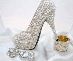 Bakalım bilmeceyi bilecekmisiniz? Sıra sıra inciler yan yana dizilmişler :) | MODA OLDU - 2013 #sweet #sweety #funny #photography   #love #fashion #cute #moda #wear #elbise #dress #model   #victoriassecret #südyen #moda2013   #fashion2013 #iccamasiri #alışveriş #shop #shopping  #sexy #manken #shoe #shoes #fotoğraf #fotoğrafçılık #bag