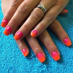 Kayley Cairns uses Neon Nail Shadows, Snakebite (pink) blended into Day Glo (orange) over CND Shellac Gotcha #nails #nailart #neons #lovelecente