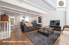 In the middle of the popular Jordaan you find this bright and spacious 3-bedroom apartment, spread out over two floors.
