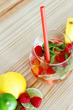 Raspberry Spritz Cocktail