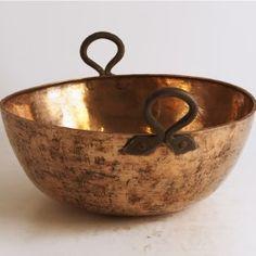 American, mid-late 19th-century copper bowl, 13 quarts