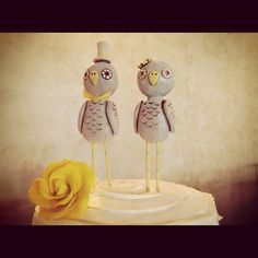 these little birds as cake toppers were so sweet!  They were perfect for this grey and yellow wedding at the Northeast Wedding Chapel in Hurst, TX ww.WaltersWedding... #weddingcake #caketopper #birds