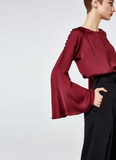 Uterqüe United Kingdom Product Page - Ready to wear - Shirts and blouses - Blouse with buttons - 85
