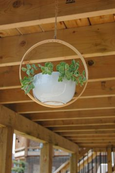 Hanging Planter - DIY with an embroidery hoop