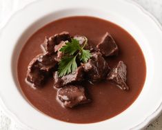 Guláš s červeným vínem — CULINA BOTANICA Beef, Food, Red Peppers, Meat, Essen, Meals, Yemek, Eten, Steak