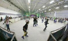 Maior pista de patinação no gelo do Brasil tem infraestrutura completa, instrutores e aulas individuais ou em grupo
