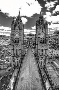 https://flic.kr/p/Wd1MCT | Neo-Gothic Towers (Quito, Ecuador. Gustavo Thomas © 2017) | Torres neogóticas / Neo-Gothic Towers  -Basílica de Nuestra Señora del Voto-  (Quito, Ecuador. #Photograph by Gustavo Thomas © 2017)