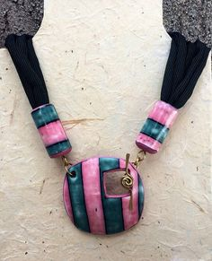 pink&green toggle necklace | by Dev'Art60
