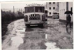 Autobús de Rober de la línea que une la Acera del Darro con el barrio del Zaidín. Fecha desconocida, aproximadamente finales de los 60. Torres Molina/Archivo de IDEAL