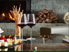 Design Hotel, Red Wine, Alcoholic Drinks, Glass, Food, Drinkware, Corning Glass, Essen, Liquor Drinks