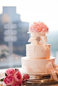 Anna and Spencer Photography, City Club of Buckhead Wedding, Wedding Cake, Frosted Pumpkin Bakery