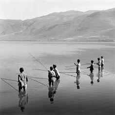 Σπύρος Μελετζής «Ψάρεμα με καλάμια στη Λίμνη». Ιωάννινα, 1938 (Αρχείο Σ. Μελετζή)