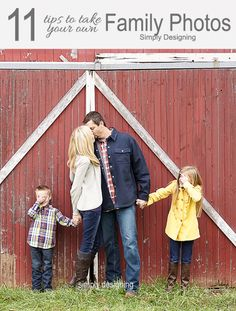 11 Tips to Take Your Own Family Photos - The season is upon us! Holiday cards (or Christmas cards), family photos, falling leaves, Thanksgiving and before you… Cute Family Photos, Fall Family Pictures, Family Picture Poses, Family Photo Sessions, Family Posing, Family Portraits, Family Photoshoot Ideas, Rustic Family Photos, Fall Photos