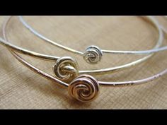 nice video of a project I saw in Art Jewelry...Bead Snack Video: Rosebud Bangle at The Bead Gallery, Honolulu - YouTube