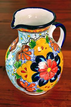 Mexican Home Decor, Mexican Art, Mexican Style, African Art Paintings, Paintings I Love, Talavera Pottery, Polish Pottery, Painted Pots, Pottery Painting