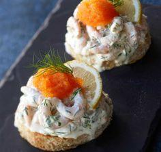 Appetizers: Scandinavian shrimp sandwich/Toast Skagen