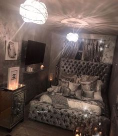 47 very beautiful and comfortable bedroom decor ideas 38 Glam Bedroom, Home Bedroom, Modern Bedroom, Bedroom Ideas, Silver Bedroom Decor, Master Bedrooms, Teen Bedroom, Bedroom Styles, Dream Rooms