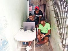 In Cuba, An Underground Network Armed With USB Drives Does The Work Of Google And YouTube | Fast Company | Business + Innovation