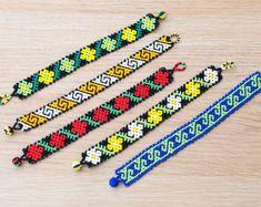 Mexican Huichol Beaded bracelet Ethno Manchette by BerlinBijou Loom Bracelet Patterns, Bead Loom Bracelets, Loom Patterns, Beading Patterns, Flower Patterns, Native American Jewellery, Native American Beading, Beaded Earrings, Beaded Jewelry