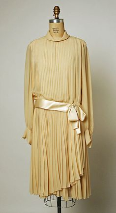 Afternoon dress House of Dior  (French, founded 1947) Designer: Marc Bohan (French, born 1926) Date: spring/summer 1969 Culture: French Medium: silk Accession Number: 1975.406.8