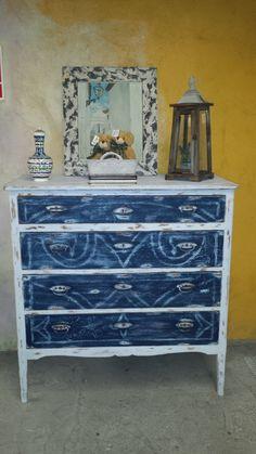 """Cómoda antigua """"de la tía-abuela"""", renovada con pintura a la tiza"""