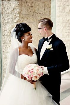 Interracial Wedding in Edmonton Alberta Canada with African and Caribbean Flare // Photo by Daphne Chen Photography Funny Wedding Photos, Vintage Wedding Photos, Vintage Weddings, Lace Weddings, Wedding Dresses, Country Weddings, Real Weddings, Interracial Wedding, Interracial Couples