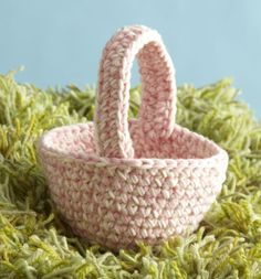 Free Crochet Pattern:  Easter Basket                                                                                                                                                                                                                                                                                                                Lion Brand